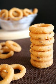 Ring Murukku is a delicious South Indian snack made from rice flour on occasions like Diwali. It is a fun to make recipe and does not need a murukku press. Indian Desserts, Indian Snacks, Indian Food Recipes, Indian Sweets, Indian Dishes, Savory Snacks, Snack Recipes, Dessert Recipes, Cooking Recipes
