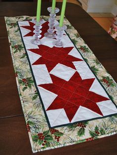 Starry Eyed - Just before heading to the cottage last weekend I showed you a hint of a table runner that I had started for the bazaar, thinking that it … Quilted Table Runners Christmas, Patchwork Table Runner, Christmas Patchwork, Christmas Placemats, Christmas Runner, Table Runner And Placemats, Table Runner Pattern, Christmas Sewing, Christmas Projects