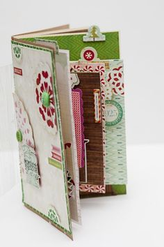 December Daily mini album using CP Peppermint collection...i could make this with my stash :) #SimpleDecDaily