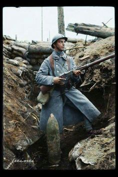 """Dying Splendor of the Old World — A French """"poilu"""" posing with his Lebel rifle. Military Photos, Military Art, Military History, World War One, First World, Old World, Ww1 History, World History, History Images"""