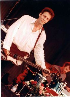 Mark Sandman of Morphine played a two string slide bass.