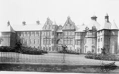 Photo of Paisley, Royal Alexandra Infirmary 1901 Paisley Scotland, Places Of Interest, Study Abroad, Family History, Glasgow, Old Photos, Tourism, Louvre, Spiritual