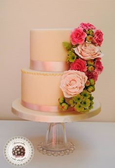 We Can't Stop Staring at These Wedding Cakes from Mericakes;