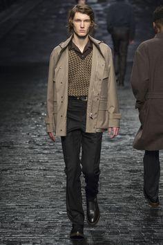 See the complete Corneliani Fall 2016 Menswear collection.