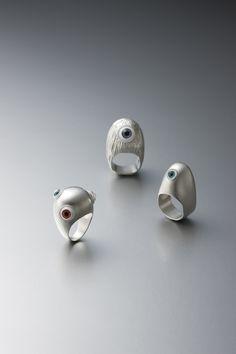 KIM, HYUN SUNG  KEEP AN EYE(RING), 2010  925 SILVER, PLASTIC, FIGURE EYE  25 X 25 X 40mm