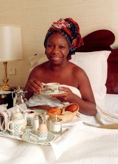 Nina Simone, oh what a sweet picture! Her voice is just so... I don't know. It's incredible. Nothing like it. Wow. Speechless.