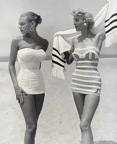 Retro Vintage vintage swimwear retro swimsuit vogue Everyone would look great in these today in the 2010 Glamour Vintage, Vintage Beauty, 50s Glamour, Vintage Models, Foto Fashion, 1950s Fashion, Fashion History, Vintage Fashion, Beach Fashion