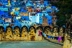 National Geographic's Prestigious Photographer of the Year Competition Lets You Travel the World Without Leaving Home Photos Photo P, City Photo, Travel Pictures, Travel Photos, Gear S3, National Geographic Travel, Airplane Travel, Blue City, Travel Icon