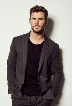 Fitness Before After, Handsome Men Quotes, Handsome Arab Men, Chris Hemsworth Thor, Beautiful Women Quotes, Beautiful Men, Snowwhite And The Huntsman, Strong Woman Tattoos, Hemsworth Brothers