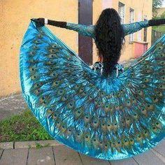 A beautiful Gypsy peacock dress. Peacock Colors, Peacock Theme, Peacock Feathers, Peacock Design, Peacock Wedding, Peacock Tail, Peacock Skirt, Peacock Costume, Peacock Fancy Dress