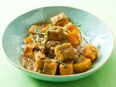 Zucchini and Tofu Curry: Thai kitchen