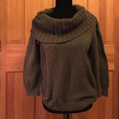 Michael Kors Sweater This will keep you warm and looking chic. The colors are green and shades of green twill. Michael Kors Sweaters
