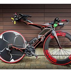 "1,822 curtidas, 287 comentários - C Y C L I N G T I P S (@cyclingtips) no Instagram: ""The Falcons V spotted in Japan. What a weapon. Hot or not?"""
