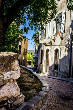 Places to Visit--Provence