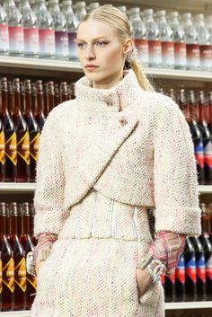 Chanel Fall 2014 Ready-to-Wear Collection Photos - Vogue