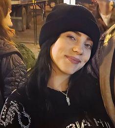 Likes, 15 Comments - Billie 🇧🇷 Billie Eilish, Pretty People, Beautiful People, Woman Crush, American Singers, Cool Girl, Celebs, Cute, Girls