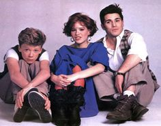 Anthony Michael Hall, Molly Ringwald y Michael Schoeffling (Sixteen Candles) 1984 Teen Movies, Iconic Movies, Classic Movies, Good Movies, Classic Tv, Anthony Michael Hall, Sixteen Candles, Movies Showing, Movies And Tv Shows
