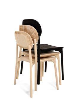Cadeiras de madeira talhada de Monica Förster