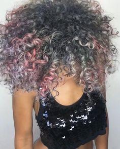 Metallic pearls on chocolate skin by @leysahairandmakeup #hotonbeauty . . . . #curlyhair #coilyhair #pinkcurls #silvercurls #lavenderhair #metallichair #naturalcurls #hairblogger