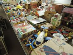How many toys can yOu  in here that you had growing up! ?