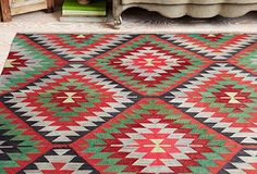 Love the happy pattern - would liven up my living spaces!