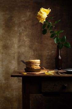 Blinis con crema de queso y huevos de codorniz | Claudia&Julia