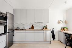 innerstadsspecialisten, http://trendesso.blogspot.sk/2016/04/fresh-elegance-in-swedish-apartment.html
