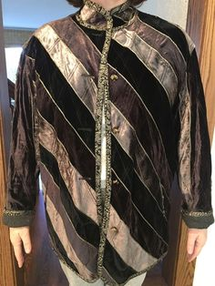 Mr. van den Akker opened his first boutique in 1971, on the Upper West Side of Manhattan. This item has no label. The jacket is fully reversible. With gold buttons on one side and matte black buttons on the other. | eBay!