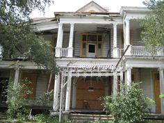 LAMERT-HYNES-WHITLOW HOUSE, 904 S Alamo St, Refugio, TX. 09.30.2012