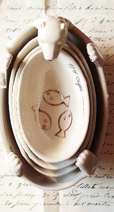 Adorable polar bear measuring cups!  http://rstyle.me/n/dm69bnyg6