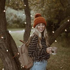 Good friends, hot cider, and an apple orchard full of fairy lights ☕️✨ Albion Fit #takeuswithyou #Regram via Courtney Steeves