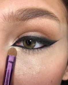 Smokey Eye Makeup Tutorial, Eye Makeup Steps, Eye Makeup Art, Eyeliner Tutorial, Eyebrow Makeup, Skin Makeup, Eyeshadow Makeup, Pretty Eye Makeup, Small Eyes Makeup