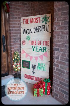 Gorgeous painted wood Christmas Countdown subway art style using files from Lori Whitlock and the Silhouette Christmas Porch, Christmas Signs, Christmas Countdown, Christmas Projects, Christmas And New Year, Winter Christmas, All Things Christmas, Holiday Crafts, Holiday Fun