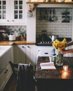 House Tour: An Eclectic Mix of Vintage Furniture in a Paris .- House Tour: An Eclectic Mix of Vintage Furniture in a Paris Loft ˗ˏˋ brooke ˊˎ˗ - Decoration Inspiration, Decoration Design, Decor Ideas, Decorating Ideas, Diy Ideas, Style At Home, Kitchen Dining, Kitchen Decor, Kitchen Interior