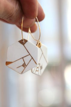 Dyle porcelain earring. by Gouttedeterre on Etsy