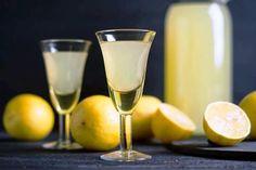 Λικέρ Limoncello: Limoncello είναι ένα γλυκό αλκοολούχ...