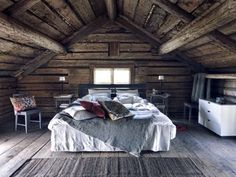 I like the dark wood, the ceiling and the rustic feel.  very cute