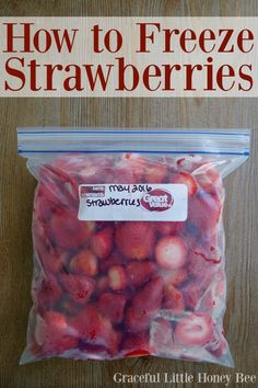 to Freeze Strawberries Learn how easy it is to freeze strawberries and use them for smoothies all year long!Learn how easy it is to freeze strawberries and use them for smoothies all year long! Frozen Fruit, Frozen Meals, Frozen Strawberries, Freezing Strawberries, Freezing Fruit, How To Freeze Blueberries, How To Preserve Strawberries, How To Freeze Tomatoes, Meals To Freeze