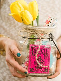 Make your own gift bags full of pieces from your party, like flowers, straws and a deck of cards.