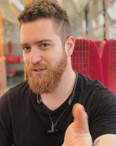 7 Beard Styles for 2019 - Trends to Be Inspired - The Style Tribune Fade Haircut Designs, Drop Fade Haircut, Afro Twist Braid, Instagram Hairstyles, Beard Love, Beard Man, Perfect Beard, Epic Beard, Beard Growth