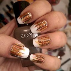 Nail art is a very popular trend these days and every woman you meet seems to have beautiful nails. It used to be that women would just go get a manicure or pedicure to get their nails trimmed and shaped with just a few coats of plain nail polish. Fall Acrylic Nails, Autumn Nails, Winter Nails, Fall Nail Art Autumn, Fall Gel Nails, Cute Nails For Fall, Fall Winter, Nail Art Cute, Trendy Nail Art
