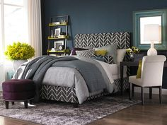 Bold-patterned bed from HGTV Designers' Portfolio http://www.hgtv.com/designers-portfolio/room/contemporary/bedrooms/7625/index.html?soc=pinterest