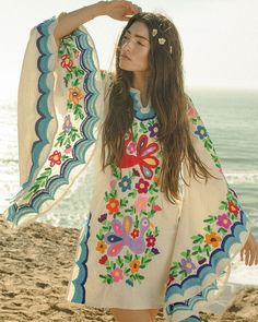 Mexican Embroidery by NewCropshop Mexican Embroidery, Vintage Embroidery, Embroidery Patterns, Cropping Photography, Woodstock Fashion, Woodstock Outfit, Festivals, Mexican Dresses, Short Mini Dress