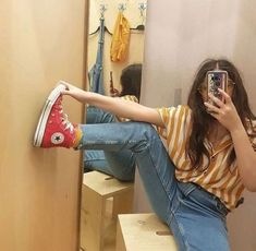 How To Wear Red Converse Fashion Jeans 21 Ideas For 2019 Retro Outfits, Vintage Outfits, Cool Outfits, Casual Outfits, Fashion Outfits, Womens Fashion, Grunge School Outfits, 90s Fashion, Converse Haute
