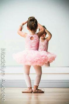 Mini ballerina.  Photo by l.blatt