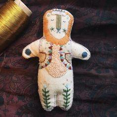 """Résultat de recherche d'images pour """"Megan Griffiths embroidery"""""""