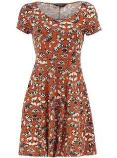 Butterfly print dress, Dorothy Perkins. I'd prefer the background to be cream, plum, teal or even black but I do love the print.