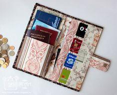 тревел холдер Diy Scrapbook, Scrapbook Albums, Diy And Crafts, Paper Crafts, Document Holder, Passport Cover, Book Journal, Bookbinding, Diy Clothes