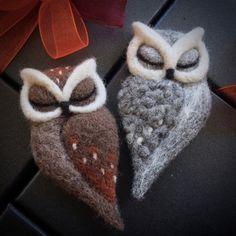 Items similar to needle felted OWL BROOCH by The Lady Moth grey felt owl horned owl needle felted sleeping owl felted owl brooch UK on Etsy Felt Owls, Felt Birds, Felt Animals, Needle Felted Owl, Owl Crafts, Fabric Birds, Felt Brooch, Wet Felting, Felt Ornaments