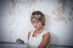 Espectacular corona de Suma Cruz {Foto, Patricia Semir} #headpiece #tocados #novia #bride #tendenciasdebodas